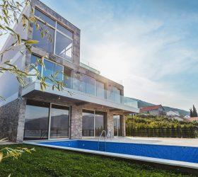 1_Villa front view_pic1